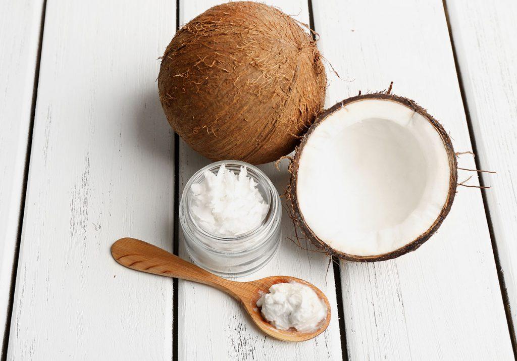 冬の季節必見!自家製フットクリームをココナッツオイルから作る!